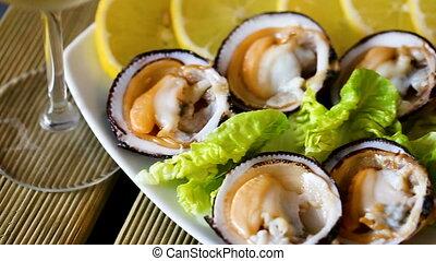 cru, citron, shellfishes, bittersweet), (european, servi, bivalve
