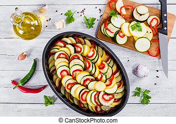 cru, ingredientes, para, tradicional, francês, casserole, ratatouille, para