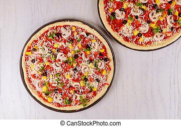 cru, supremo, dois, pizza, pepperoni.