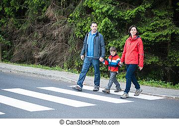 cruce, familia , camino
