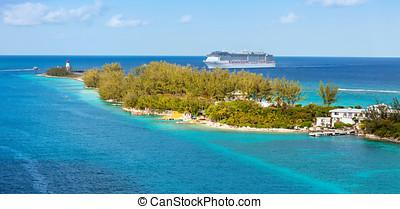Cruise Ship - Cruise ship entering the harbor of Nassau,...