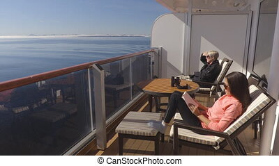 Cruise ship passengers in Alaska on cruise ship travel in the Inside Passage