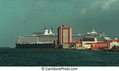 Cruiseship at Willemstad skyline