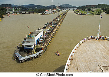 Cruiseship entering Panama Canal lock - Cruiseship entering...