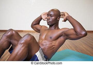crujido, hombre, muscular, abdominal