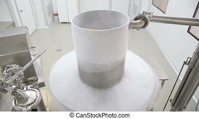 Cryogenic plant producing granolas - Stainless steel dewar...