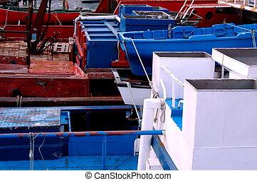 csónakázik, halászat