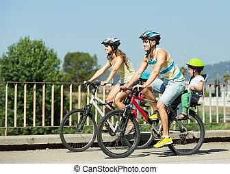 család 4, noha, bringák