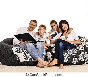 család 4, noha, laptop