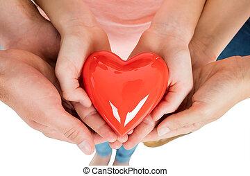 család, birtok, piros szív