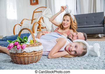 család, fekvő, emelet