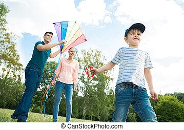 család, játék, noha, a, papírsárkány