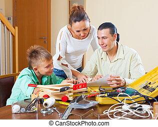 család, közül, három, cselekedet, valami
