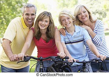 család, kerékpározás, át, egy, liget