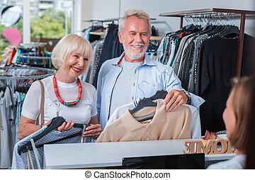 család, kiválasztott, pénztáros, öregedő, íróasztal, meghoz, öltözék