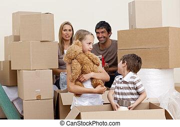 család, lépés épület, játék, noha, dobozok