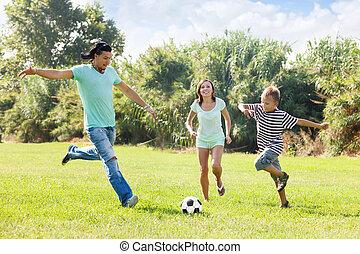 család, noha, tizenéves, játék, alatt, futball