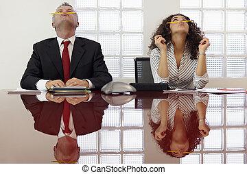 csalódott, colleagues, játék, -ban, konferencia telefonon...