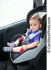 csecsemő, autó