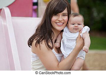 csecsemő, dísztér lány, anya