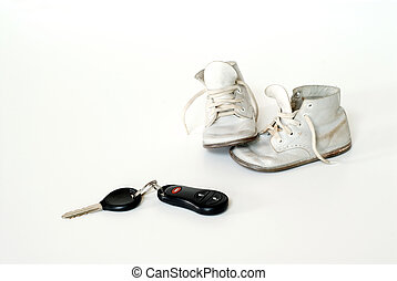 csecsemő kulcs, cipők, autó