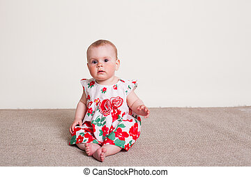 csecsemő lány, alatt, egy, ruha, noha, piros virág