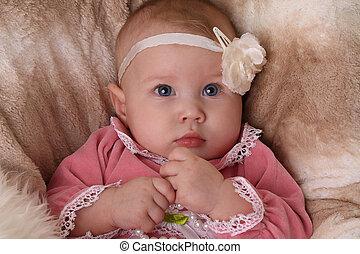 csecsemő lány, virág, fejpánt