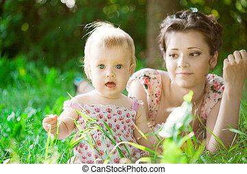 csecsemő, liget, anya