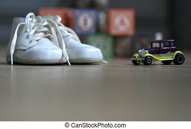 csecsemő, szüret, játékszer, cipők, autó