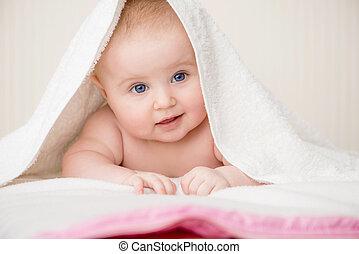 csecsemő, törülköző, boldog