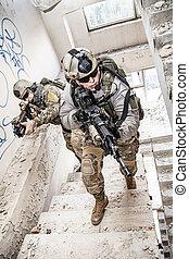 csendőrök, action