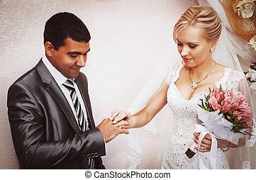 cserél, közül, esküvő gyűrű