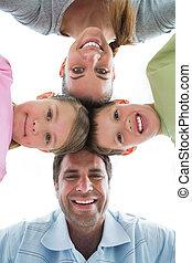 csinos, család, mosolygós, lefelé, fényképezőgép, együtt