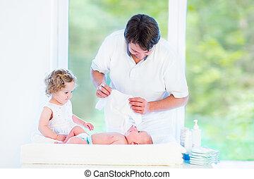 csinos, lánytestvér, övé, atya, newborn csecsemő, látszó, totyogó kisgyerek
