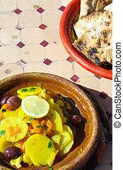 csirke, tajine, alatt, marokkó