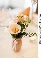 csokor, asztal, váza, virág, esküvő