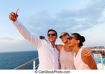 csoport, bevétel, telefon, használ, portré, barátok, maga,...