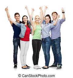 csoport, diákok, kiállítás, feláll, lapozgat, mosolygós
