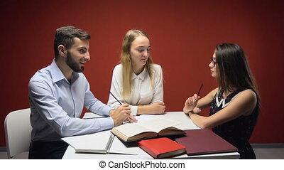 csoport, diákok, tanul, bír, barátságos, vita