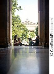 csoport, egyetem, diákok, férfiak, fiatal, beszéd, nők