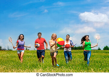 csoport, emberek, noha, gyerekek, running.