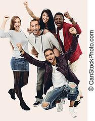 csoport, férfiak, nemzetközi, móka, ov, mosolyog vidám, birtoklás, nők