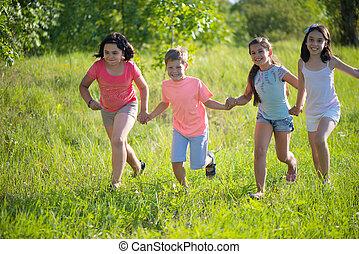 csoport, közül, boldog, gyermekek játék