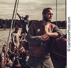 csoport, közül, vikings, vannak, úszó, képben látható, a, tenger, képben látható, drakkar, noha, hegyek, képben látható, a, háttér