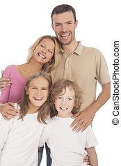 cuatro, feliz, familia caucásica, miembros, posición, juntos, y, sonriente, contra, blanco, fondo., vertical, retoño