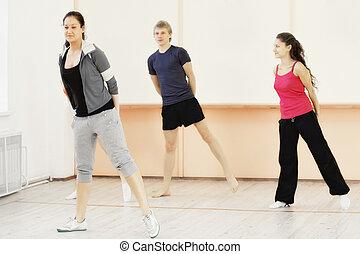 cuatro personas, en, gimnasio
