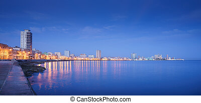 Cuba, Caribbean Sea, la habana, havana, skyline at night -...