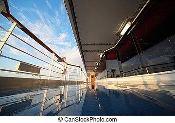 cubierta, de, vaya barco, en, mañana, brillar, por, luz, de, levantamiento, sun., reflexión, en, cubierta