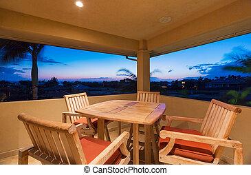 cubierta, y, mobiliario de patio, en, ocaso