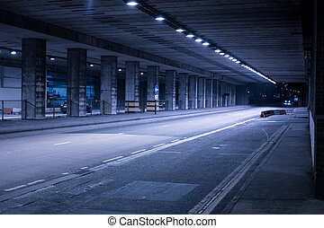 cubierto, calle, iluminado, noche
